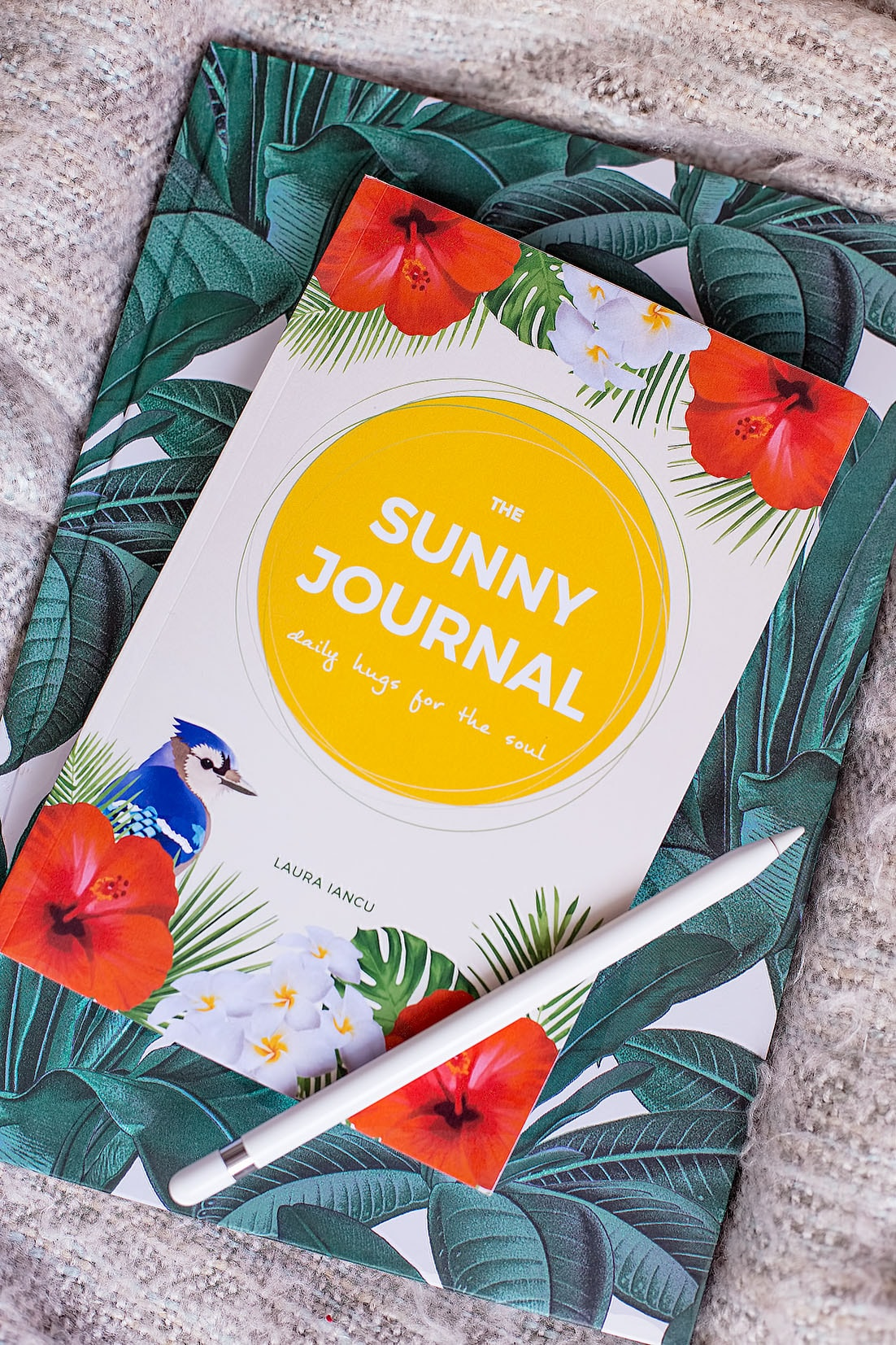 The Sunny Journal is a powerful tool for positive change. It features morning prompts to consciously set your intentions for the day and evening gratitude prompts that will help you become a happier person. Buy now!